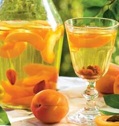 Самогон на абрикосовых косточках