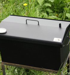 """Коптильня для горячего копчения с крышкой """"Домик"""" (520 х 300 х 310) окрашенная с термометром"""