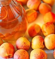 Ликер из абрикосов