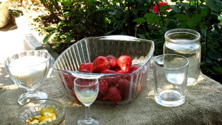 Рецепт домашнего клубничного ликера